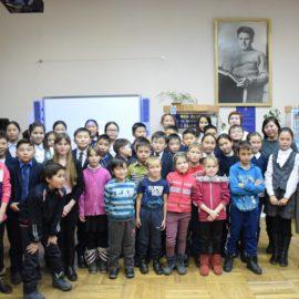 В Центральной городской библиотеке имени Исая Калашникова прошел информационно-познавательный час «Толерантным быть хочу, пусть меня научат»