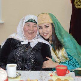 Праздничный стол организовали мусульмане Бурятии для улан-удэнских бабушек